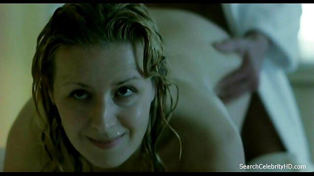 Milf lana video sesso tra vecchi dà stunner un bastone di vetro per il cazzo per una calda ragazza-on-girl atto